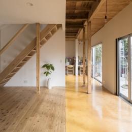 鎌倉の家〜祖父母の家を引き継ぐ木造戸建てリノベーション〜 (広縁と板間のリビング)
