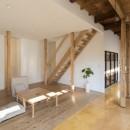 鎌倉の家〜祖父母の家を引き継ぐ木造戸建てリノベーション〜の写真 杉フローリングのリビング