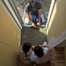鎌倉の家〜祖父母の家を引き継ぐ木造戸建てリノベーション〜の写真 ビー玉土間