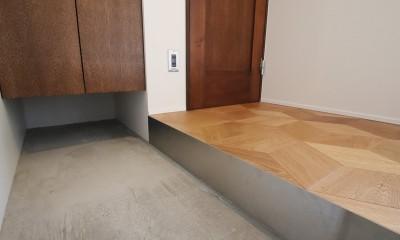 玄関|インダストリアル×ナチュラルの調和がとれた広々空間へ