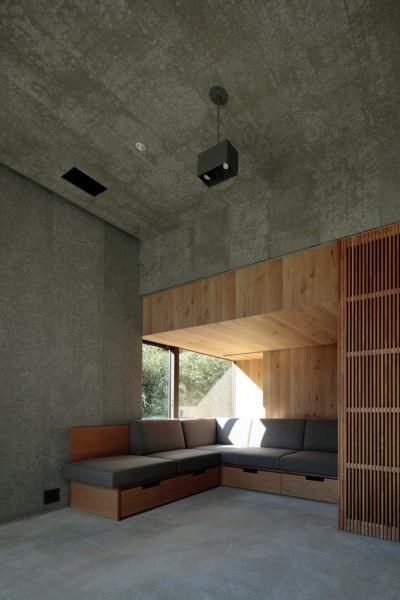 高尾山口の家 (落ち着き感のあるソファーコーナー)