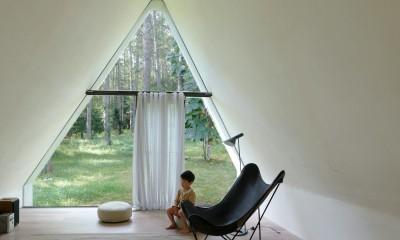 安曇野の山荘 (大きな窓のあるリビング)
