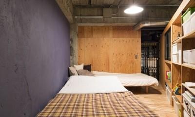 視覚的効果の高い、回遊する家 (寝室)