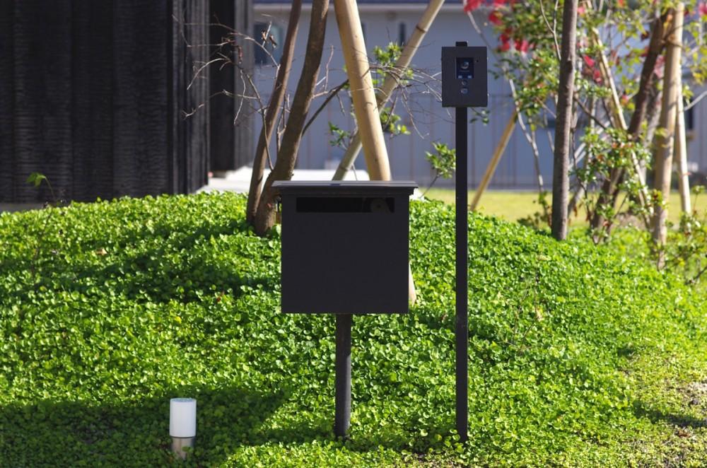 竹の山の家 (インターホンと郵便受け)