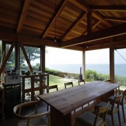 海を望む小屋~家族や友人と食事を楽しむための小屋~ (内観)