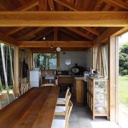 海を望む小屋~家族や友人と食事を楽しむための小屋~ (食堂)
