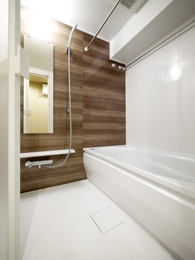 バスルーム (温かみあるオーク調に)