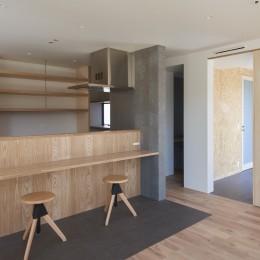 N House (対面カウンターのキッチン)