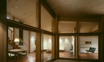 テラス、リビングダイニング、ライブラリー|VILLA BOOMERANG / 八ヶ岳の別荘