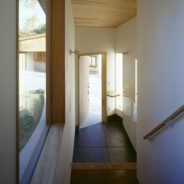 VILLA BOOMERANG / 八ヶ岳の別荘 (玄関)