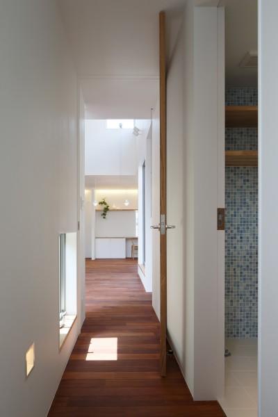 子世態廊下(2階) (木の温かみのある2世帯住宅 ( 関町北の家 ))