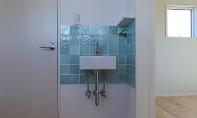 伏竜の家 (2階ホール手洗い)
