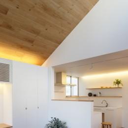 木の温かみのある2世帯住宅 ( 関町北の家 ) (子世態キッチン)