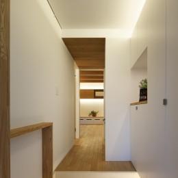 木の温かみのある2世帯住宅 ( 関町北の家 ) (親世態玄関)