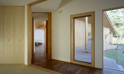 VILLA BOOMERANG / 八ヶ岳の別荘 (和室、廊下、テラス)