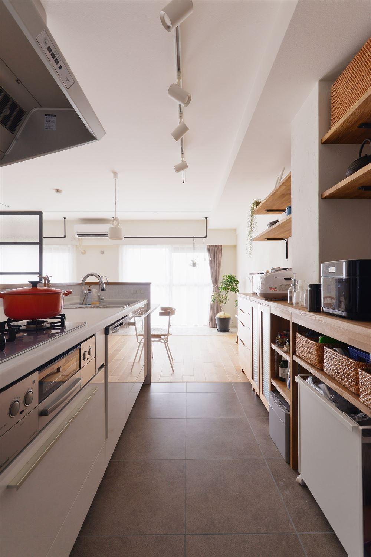 K様邸_Hygge ~やわらかな光と自然素材に包まれて~ (キッチン)