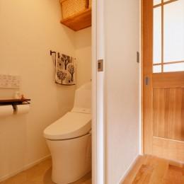 K様邸_Hygge ~やわらかな光と自然素材に包まれて~ (トイレ)