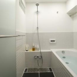 Hamlet-渋谷徒歩10分、1階庭付き59m² (バスルーム)
