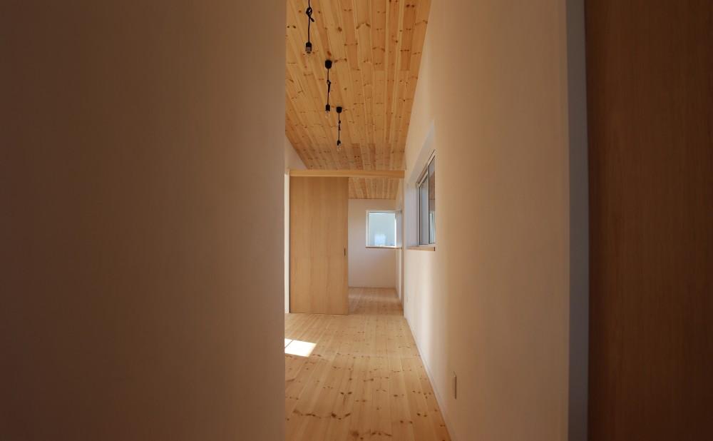 土間の家 (2階ホール)