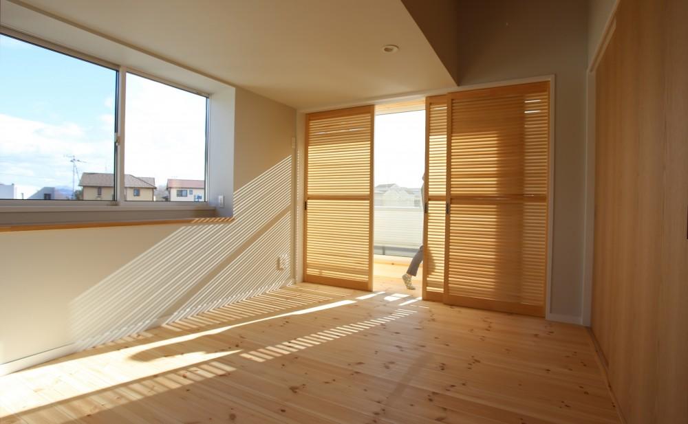 土間の家 (サンルームのある寝室)