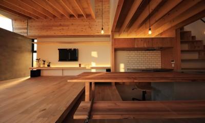秋川の家 (リビングダイニング)