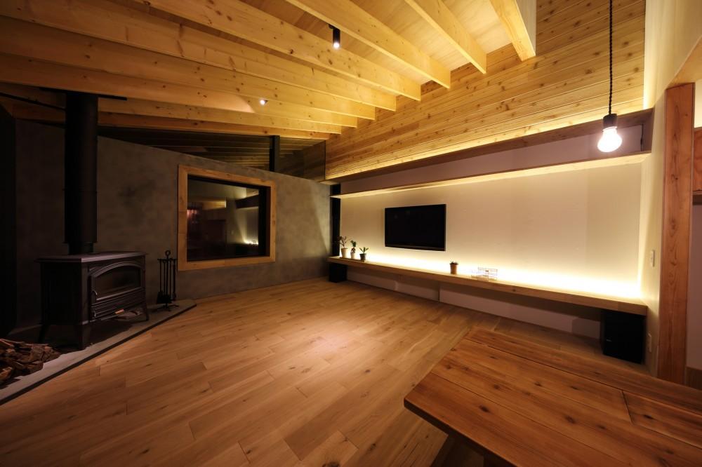秋川の家 (リビング)