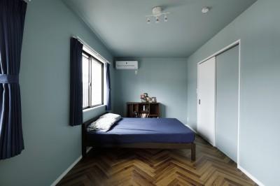 寝室はシンプルに、心地よく (COLORFUL × STYLISH)