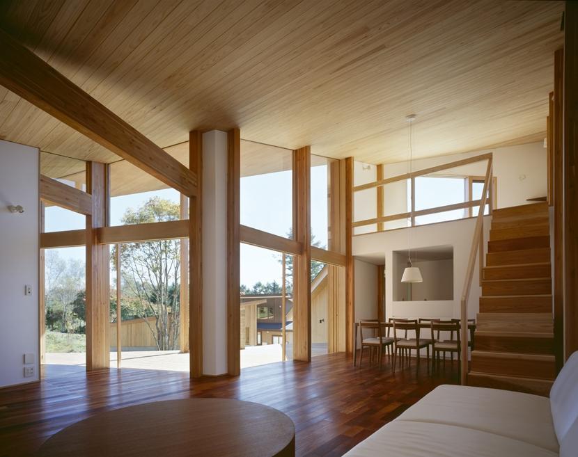 建築家:森吉直剛「VILLA BOOMERANG / 八ヶ岳の別荘」