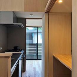 柏の家2(回遊する家) (キッチン)
