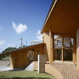 VILLA BOOMERANG / 八ヶ岳の別荘 (外観、テラス、バーベキューコーナー)