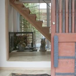玄関 (きいちゃんち~狭小地を有効に活用した2世帯住宅)