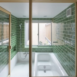 きいちゃんち~狭小地を有効に活用した2世帯住宅 (浴室)