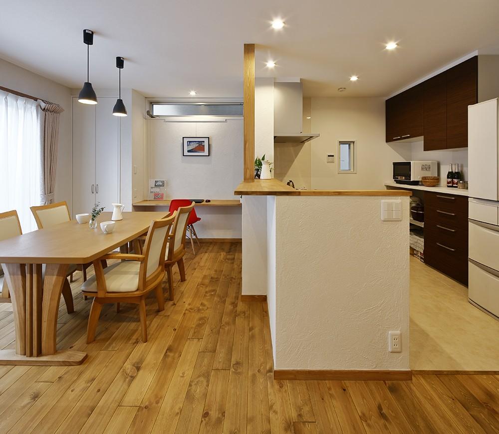 真冬でも廊下が寒くない 高断熱リノベーション (家族とつながるキッチン)