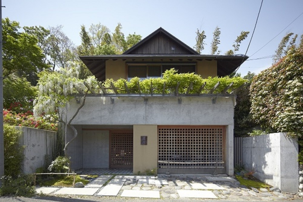 外観 (北鎌倉の家~伝統美と遊び心が融合する家)