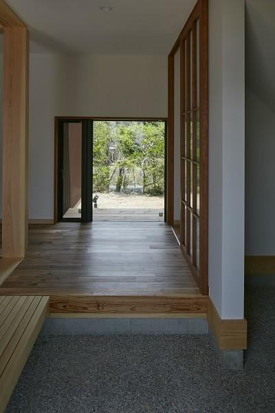大草の家~猫と暮らすやさしいデザインの家 (玄関)