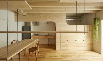 編集していく部屋 (キッチン、ベッドスペース、収納スペースをまとめた部屋)