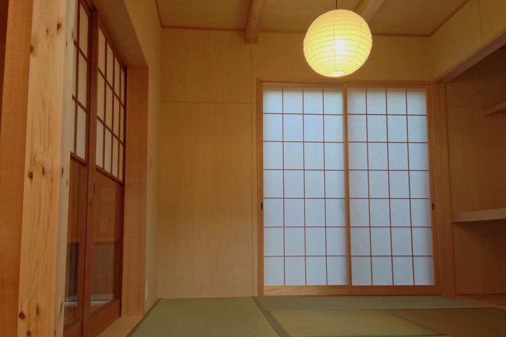松戸の家3(ゲルのある家) (和室)