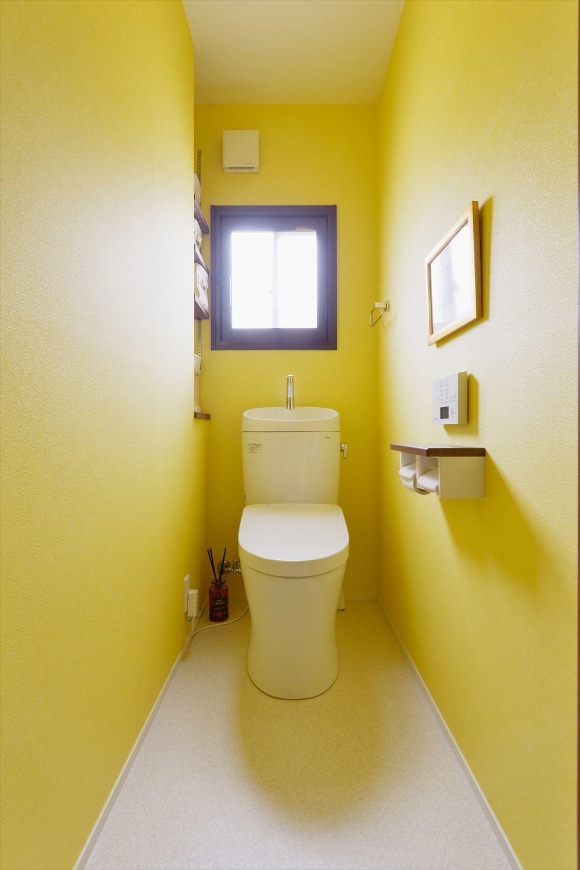 K様邸_裸足でかけ廻る!お家が僕の遊び場 (トイレ)