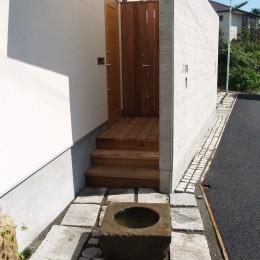 茅ケ崎東海岸北の家~中庭で緩やかにつながる2世帯住宅