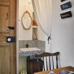 お客様用洗面スペース (リフォームで夢のカフェづくり)