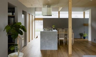 松尾の家2(ロフトで繋がる平屋の家) (ダイニングキッチン)