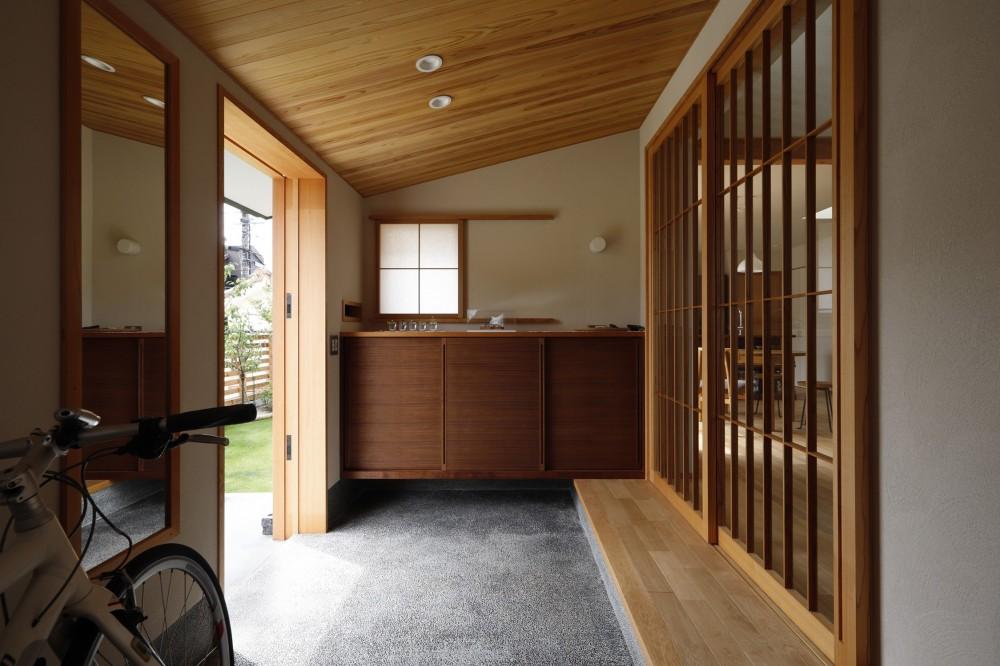 玄関2 (終の棲家~趣味を楽しみながら暮らす趣のある家~)