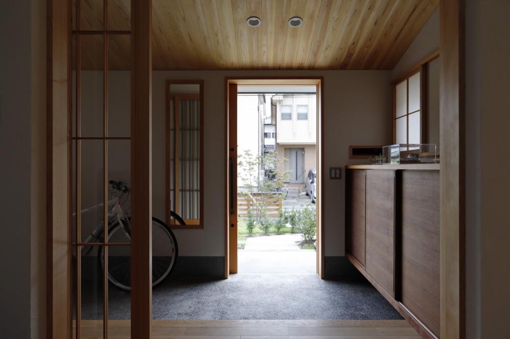 終の棲家~趣味を楽しみながら暮らす趣のある家~ (玄関3)