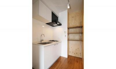 キッチン|コンクリート現しの個性派ワンルーム。