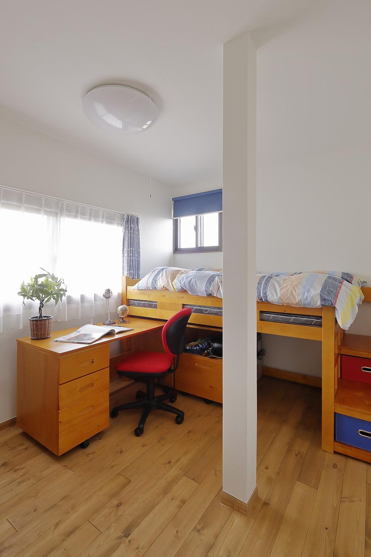 リフォームで耐震性もアップ 自然素材のLDK (同じサイズにあわせた子供部屋)