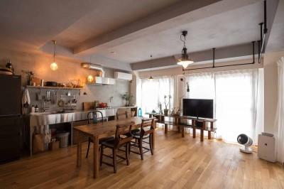 ダイニングキッチン (江戸川の家1(ノームコアな家))
