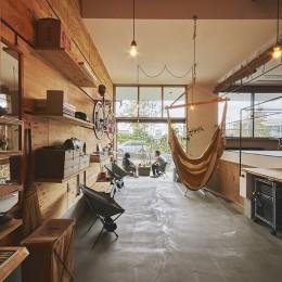 土間を楽しむスキップフロアの家