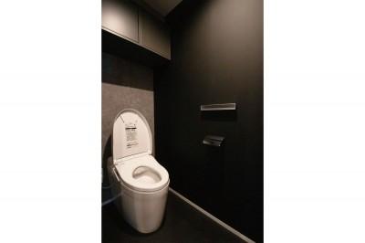 トイレ (寝室とリビングを同じ空間に)