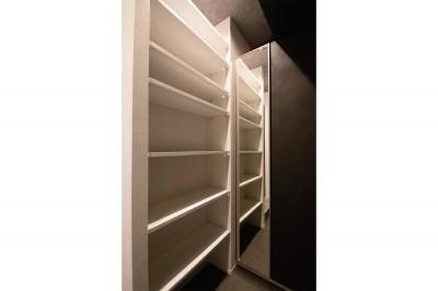 シューズボックス (寝室とリビングを同じ空間に)