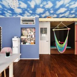 うんていにハンモックに隠し扉まで⁉           遊び心満載の毎日が楽しい家